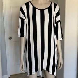 Referee stripes Lularoe Irma- XS